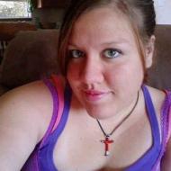 Lorna, 25, woman