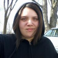 julia, 26, woman