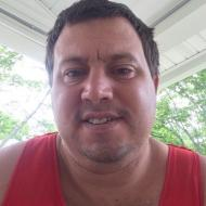 Larry , 35, man