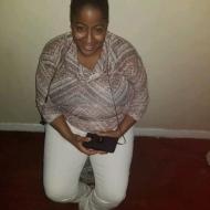 Tee, 38, woman
