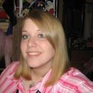 Julieeyre, 26, woman