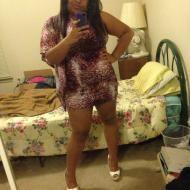 Nesi, 26, woman