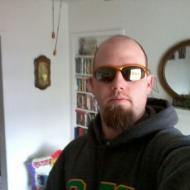 Chuck, 36, man