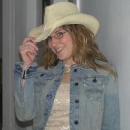 Emily, 33, woman