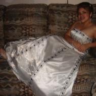Perla , 32, woman