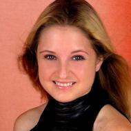 Katie, 26, woman