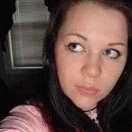 sasha, 32, woman