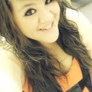 Yesenia, 26, woman